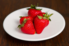 Fresh strawberry in white dish Royalty Free Stock Photos