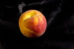 A fresh sweet ripe pound peach Royalty Free Stock Photos