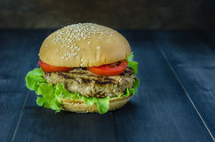 Fresh tasty burger Royalty Free Stock Photography