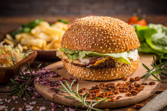 Fresh tasty burger Royalty Free Stock Images