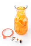 1Fresh tropical ou limonada do verão com limão, cal e gelo no vidro, bebida com sistema de fechamento, bebida isolada no backgr b Imagens de Stock