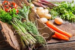 Fresh vegetables on bark Royalty Free Stock Photos
