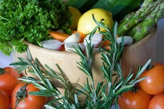 Fresh Vegetables in Wood Bowl Royalty Free Stock Photos