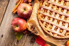 Free Freshly Baked Autumn Apple Pie With Cinnamon Royalty Free Stock Photos - 160327428