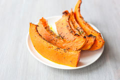 Freshly baked and juicy slices of pumpkin Royalty Free Stock Photos
