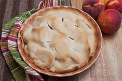 Freshly baked peach pie Royalty Free Stock Images