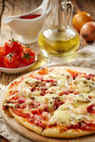 Freshly baked pizza Royalty Free Stock Photography