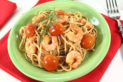 Freshly cooked spaghetti with shrimp Royalty Free Stock Images