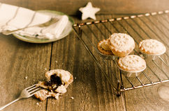 Freshly homemade mince pies  on a cooling rack. Christmas tradit Royalty Free Stock Photography