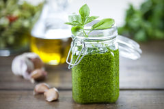 Freshly made pesto sauce Royalty Free Stock Images