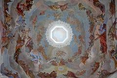 Fresko het schilderen in de Collegiale Kerk van Neumunster in Wurzburg stock foto's