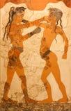 Fresko van in dozen doende jongens in Griekenland Stock Foto's