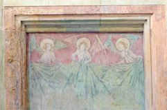 Freskomålning för tre änglar, helgonCemtent kyrka, Prague, Tjeckien Arkivbilder