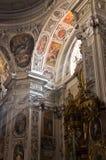 Freskomålningar och andra härliga garneringar inom dominikan kyrktar i Wien royaltyfri bild