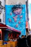 Freskomuurschildering in 20ste arrondissement van Parijs Royalty-vrije Stock Afbeeldingen