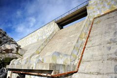 Concrete wall of the Fresnillo reservoir, Sierra de Grazalema Natural Park, province of Cádiz, Spain Stock Photography