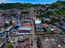 Fresno é uma cidade pequena em Colômbia imagens de stock