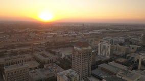Fresno Kalifornien i stadens centrum horisont på solnedgången royaltyfria bilder