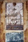 Fresque antique sur le mur des figures mythologiques ? Pompeii photos stock
