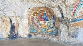 Fresque orthodoxe dans la caverne photos stock