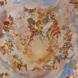 Fresques à l'église baroque photo stock