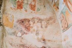 Fresques antiques dans des murs des cavernes de David Gareja Monastery Complex photographie stock