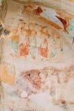 Fresques antiques dans des murs des cavernes de David Gareja Monastery Complex photographie stock libre de droits