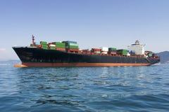 Frete da carga, navio de recipiente no mar foto de stock royalty free