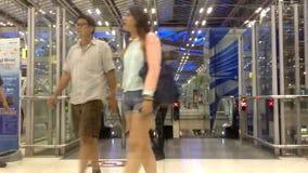 Fretta della gente di lasso di tempo video d archivio