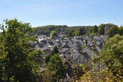 Freudenberg, vila de casas metade-suportadas foto de stock