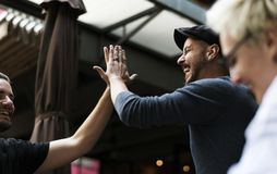 Freund-Gemeinschaft kühlen heraus zusammen Stockfotografie