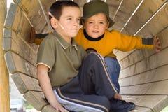 Freunde auf dem Spielplatz Lizenzfreies Stockbild