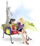 Freundin, die auf der Bank in New York City sitzt Lizenzfreie Stockfotos