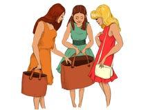 Freundinnen auf dem Einkaufen lizenzfreie stockfotografie