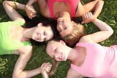 Freundinnen im Freien Stockbilder