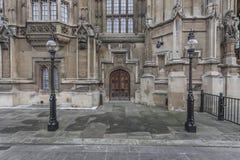 Freundlich ausführliches Gebäude in London lizenzfreie stockfotos