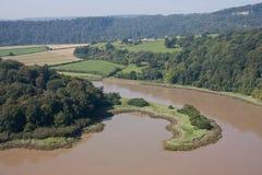 Freundlich geformte Halbinsel auf dem Fluss Ypsilon Stockfotos