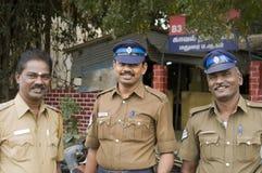 Freundliche indische Polizisten Lizenzfreie Stockfotos