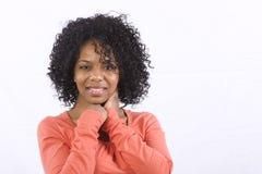Freundliche lächelnde Frau lizenzfreies stockfoto