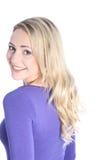 Freundliche lächelnde junge blonde Frau Stockfoto
