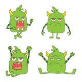 Freundlicher Satz des grünen Monsterdesign-Charakters mit verschiedener Art lizenzfreie abbildung