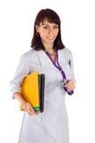Freundlicher weiblicher Doktor mit Stethoskop Stockfotos