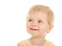 Freundliches kleines blondes Mädchen mit kurzem Haarschnitt Stockbilder