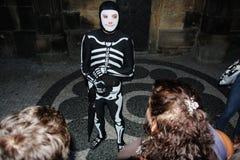 Freundliches Skelett stockbilder