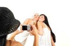 Freundschaft 3 lustige Mädchen, die Abbildungfotos nehmen Stockfoto
