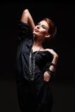 Förföriskt ungt model posera Royaltyfri Bild