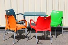 färgade stolar Royaltyfri Bild