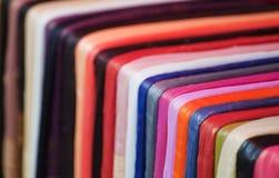 färgglada scarves Royaltyfri Bild