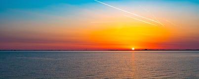 färgrik soluppgång Arkivbilder