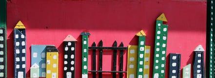 Färgrik trämodell av en stad Arkivfoto
